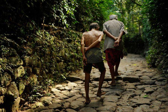 momenta-workshops-photo-workshops-in-documentary-travel-photography-nonprofit-photojournalism-and-multimedia-seth-butler-tenganan-village-bali-indonesia-2014