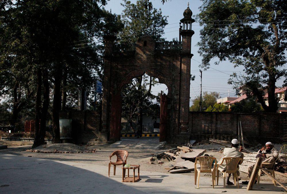 momenta-projectindia2012-0024